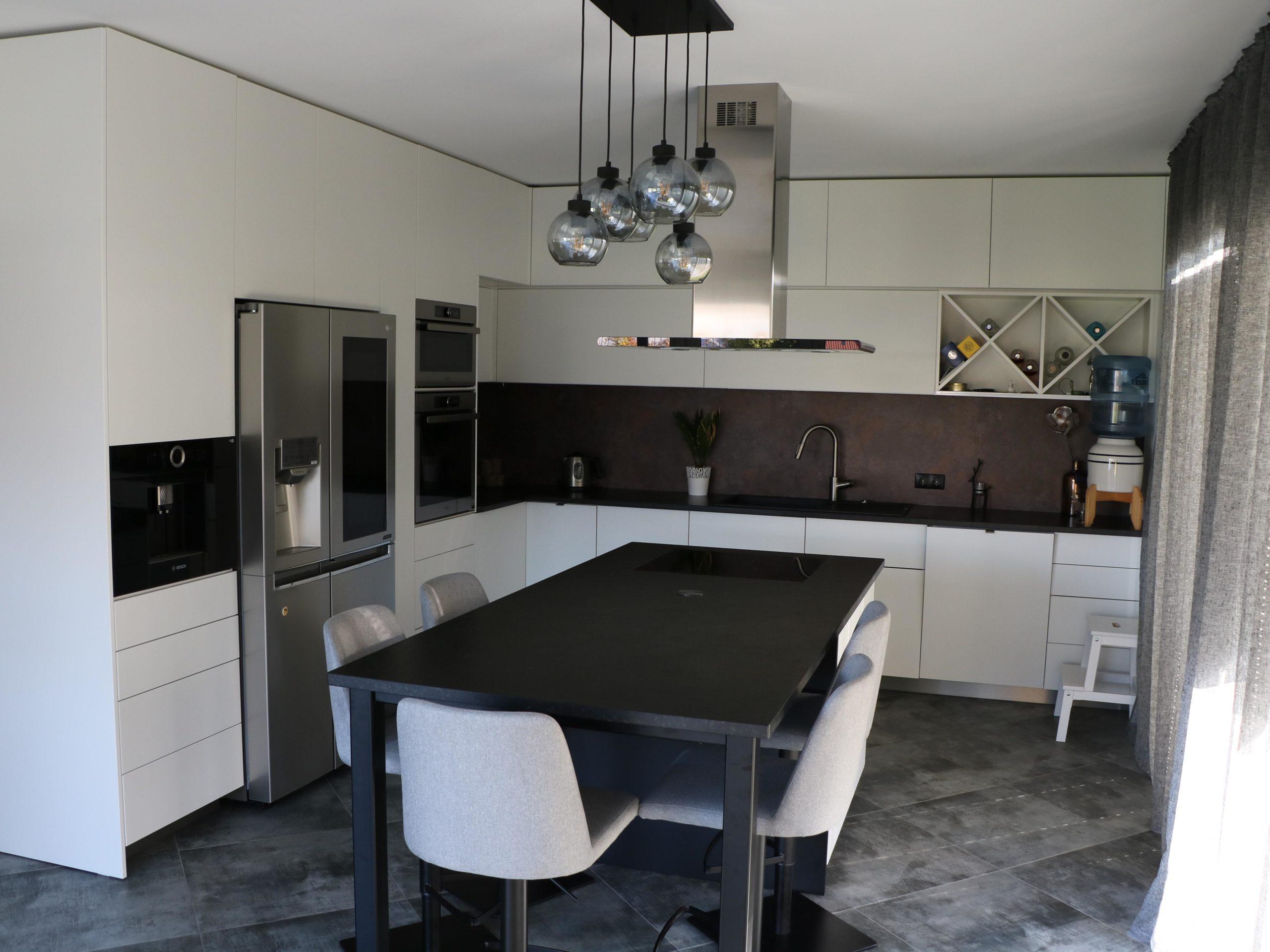 Virtuves mēbeles virtuves iekārta